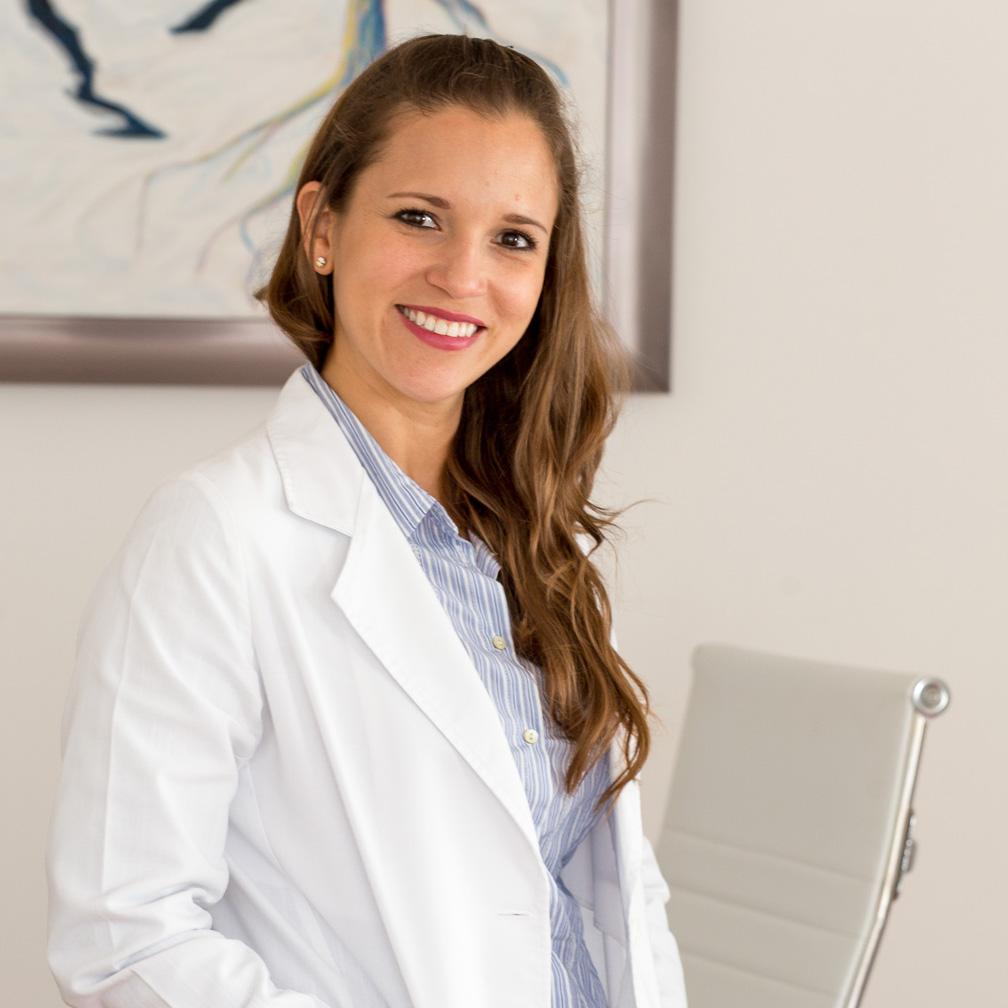 Dr. Diana Navarro Zapata